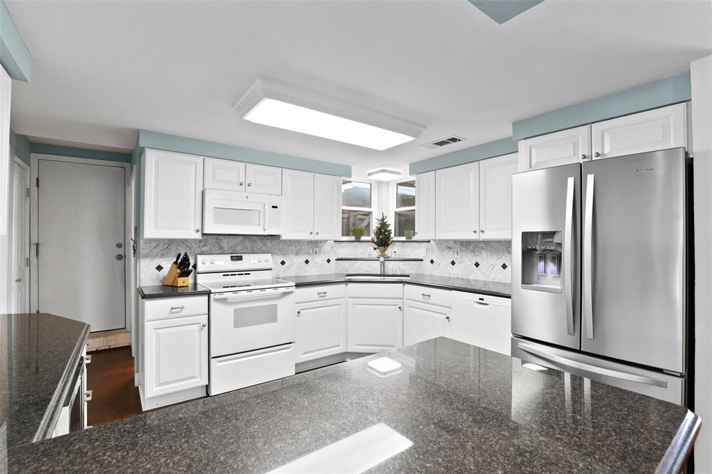 Sold Property | 549 Summit Drive Richardson, Texas 75081 11