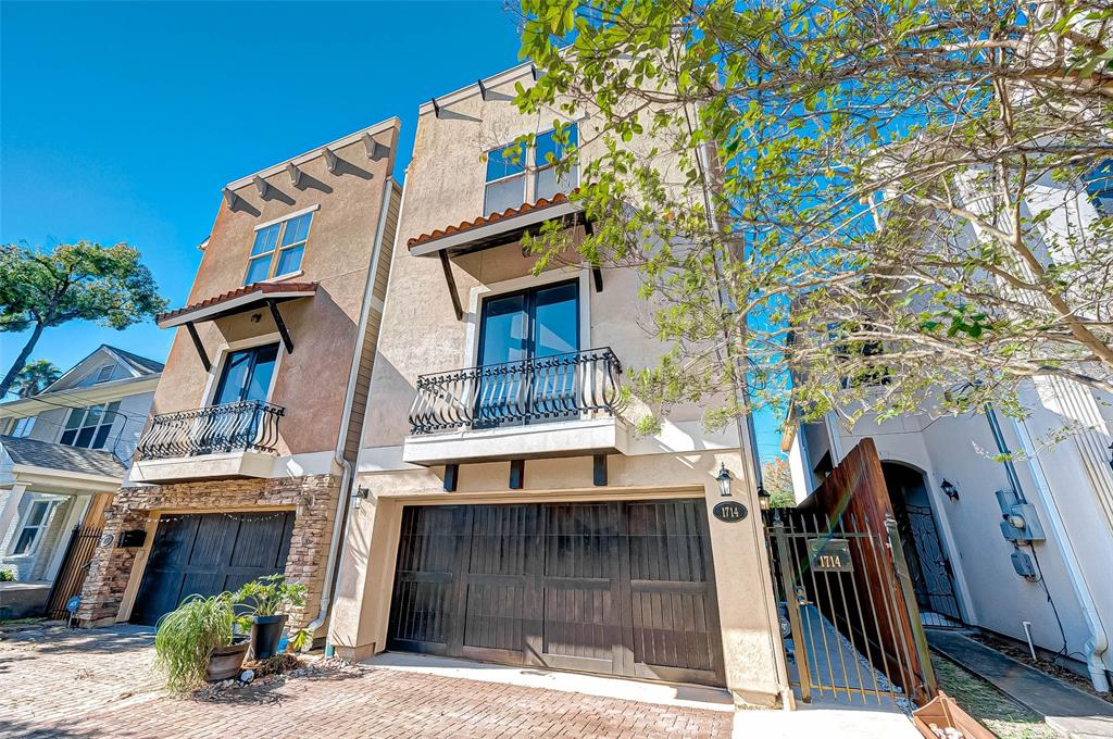 Option Pending | 1714 Dunlavy Street Houston, Texas 77006 1