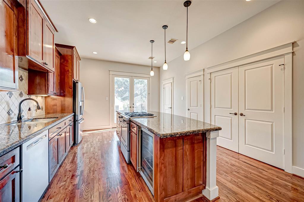Option Pending | 1714 Dunlavy Street Houston, Texas 77006 18