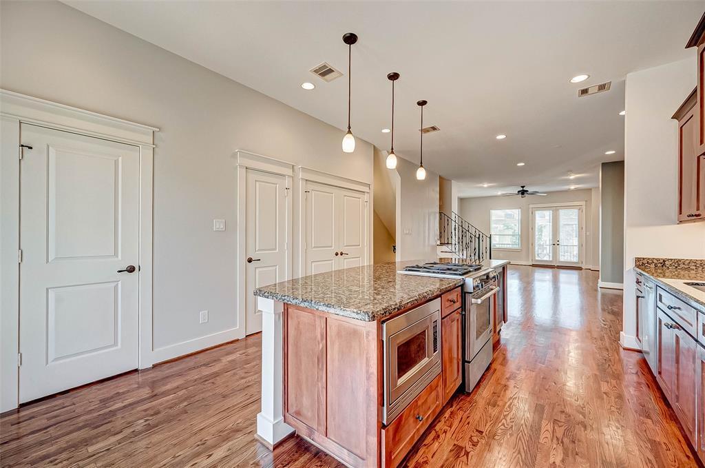 Option Pending | 1714 Dunlavy Street Houston, Texas 77006 24