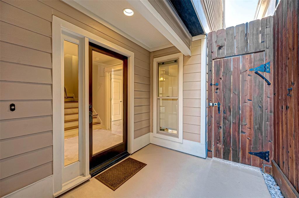 Option Pending | 1714 Dunlavy Street Houston, Texas 77006 5