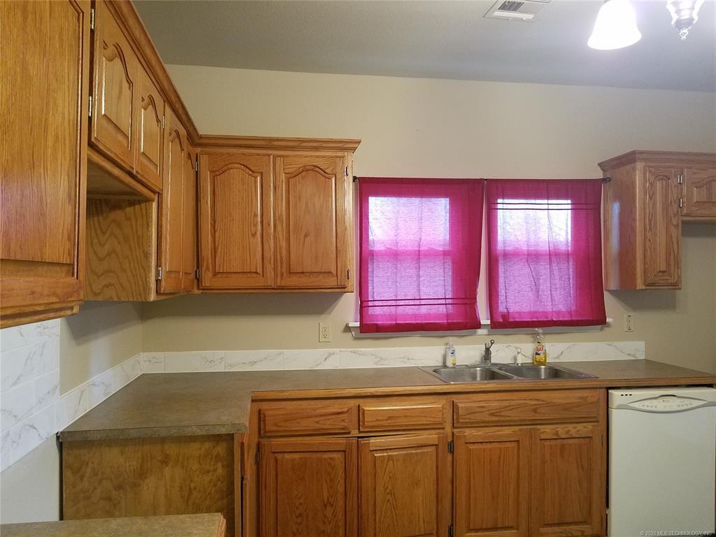 Off Market | 305 N Indianola Pryor, Oklahoma 74361 2