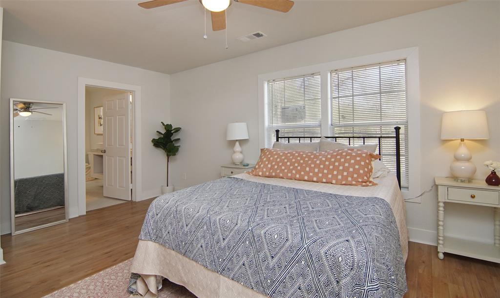 Active Option Contract   5118 Blackmore  Avenue Fort Worth, TX 76107 15