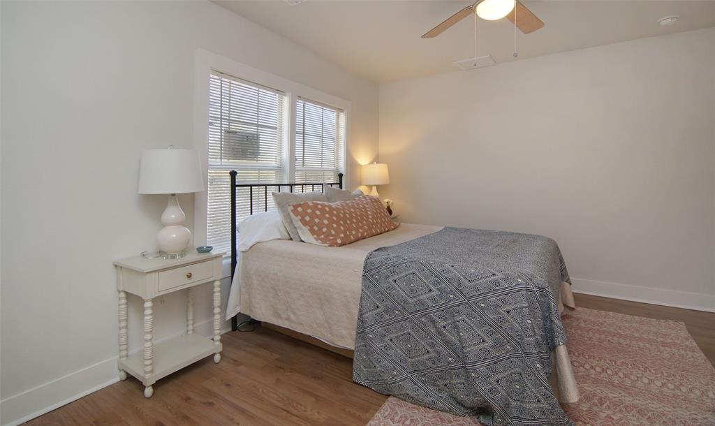 Active Option Contract   5118 Blackmore  Avenue Fort Worth, TX 76107 16