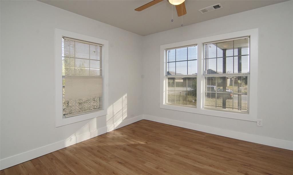 Active Option Contract   5118 Blackmore  Avenue Fort Worth, TX 76107 21