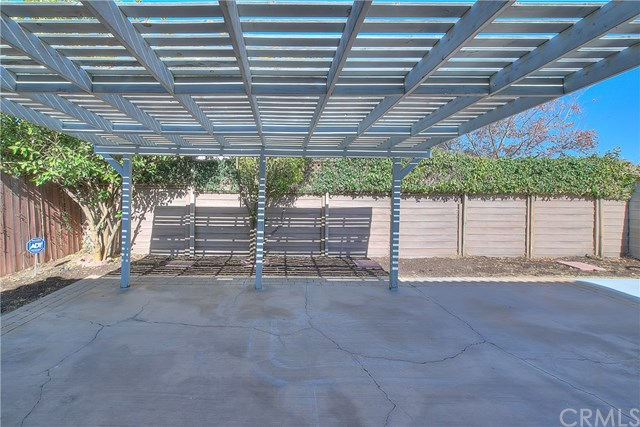 Closed | 118 Oaktree Drive Perris, CA 92571 14
