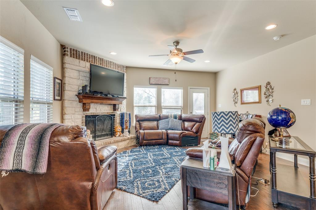 Sold Property | 2810 W 18th Street Irving, Texas 75060 11