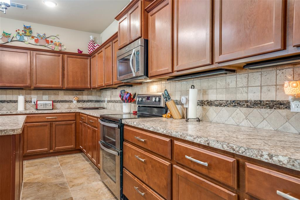 Sold Property | 2810 W 18th Street Irving, Texas 75060 6