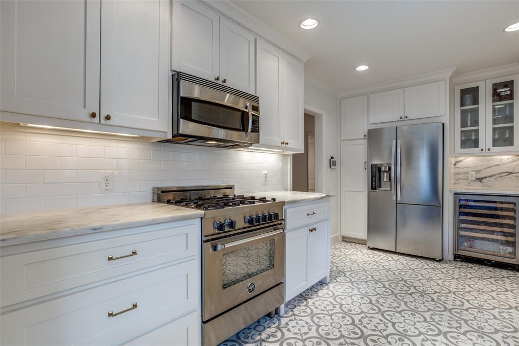 Sold Property | 823 Valencia Street Dallas, Texas 75223 11