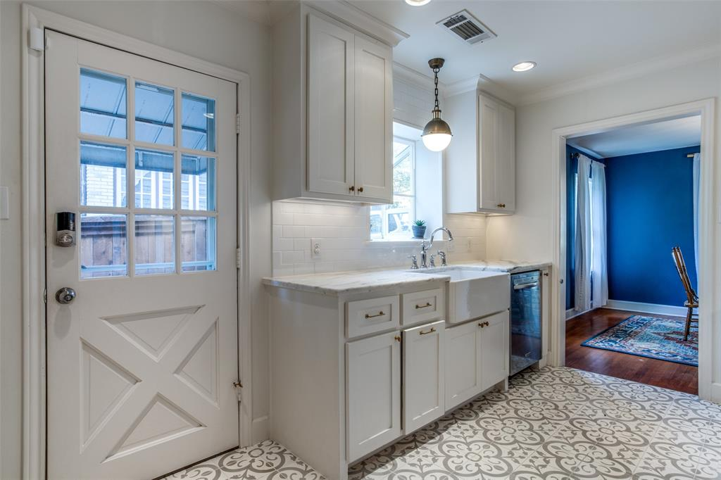 Sold Property | 823 Valencia Street Dallas, Texas 75223 12