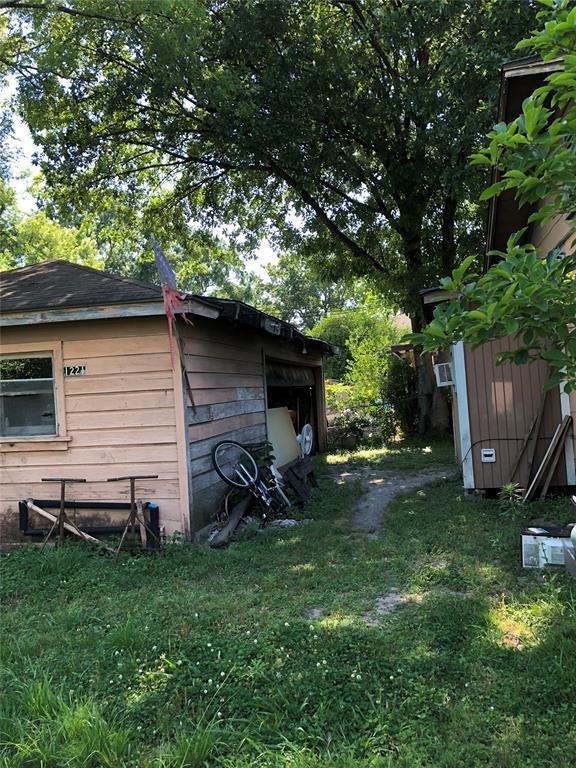 Active | 1209 Posey Street Houston, Texas 77009 5