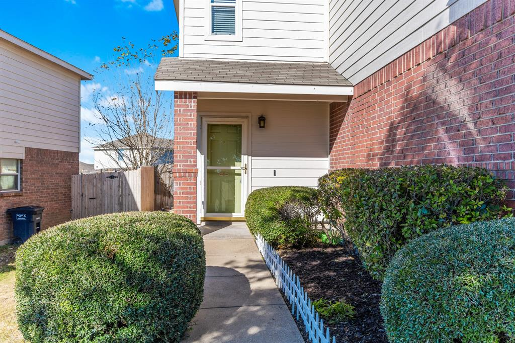 Pending | 5024 Waterford  Drive Fort Worth, TX 76179 4