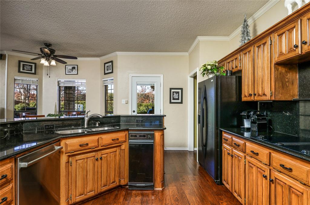 Pending | 7500 Rall  Circle Fort Worth, TX 76132 12