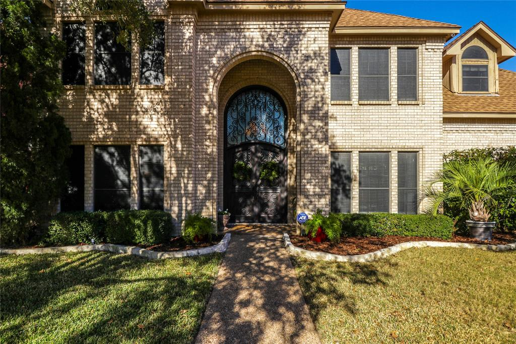 Pending | 7500 Rall  Circle Fort Worth, TX 76132 3