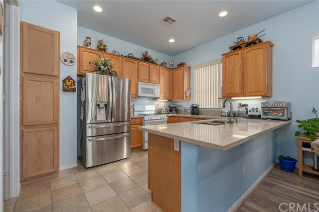 Active Under Contract   869 East Lake Road Beaumont, CA 92223 4
