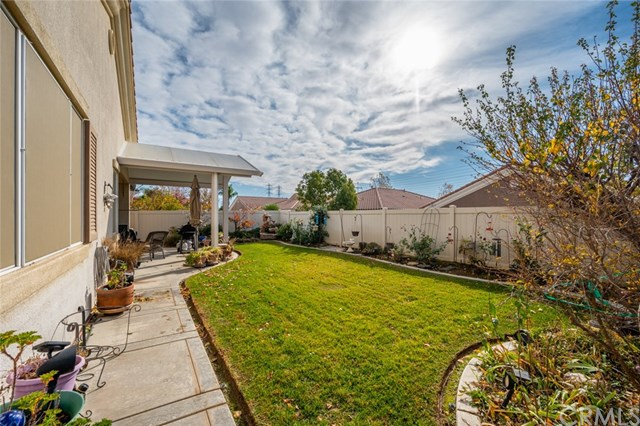 Active Under Contract   869 East Lake Road Beaumont, CA 92223 14