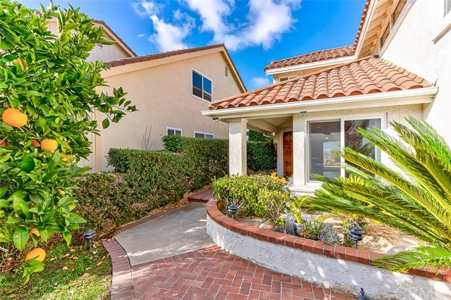 Active Under Contract | 26271 Ganiza Mission Viejo, CA 92692 1