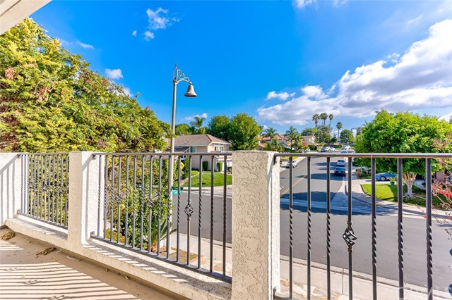 Active Under Contract | 26271 Ganiza Mission Viejo, CA 92692 28