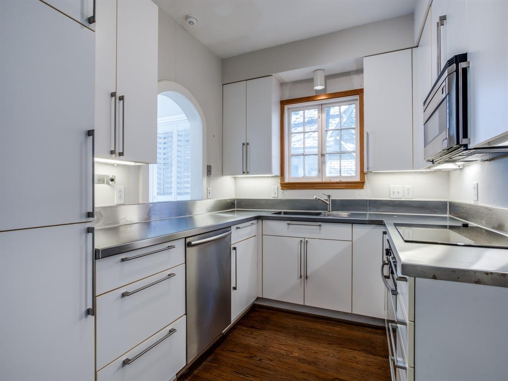 Sold Property | 1023 Sarasota Circle Dallas, Texas 75223 5