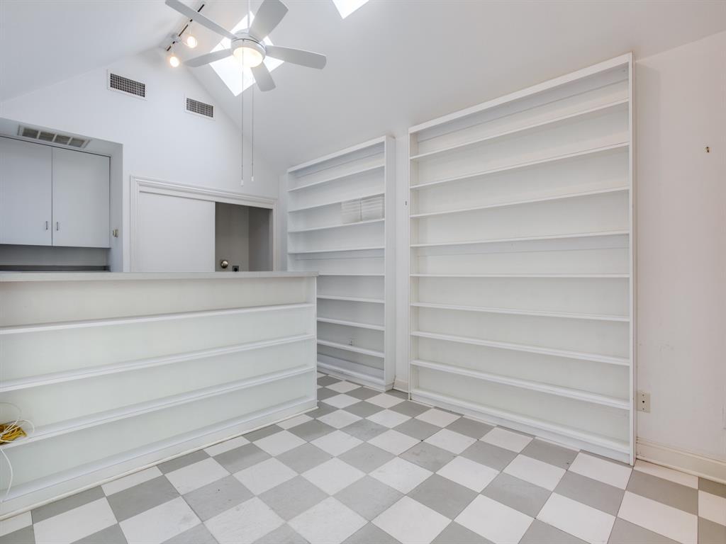 Sold Property | 1023 Sarasota Circle Dallas, Texas 75223 8