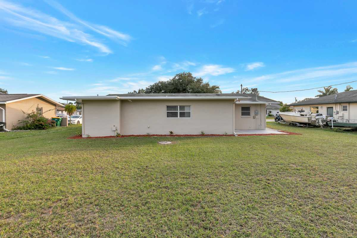 move in ready 3/2 available in Port Charlotte Fl | 22120 Rochester Ave Port Charlotte, FL 33952 3