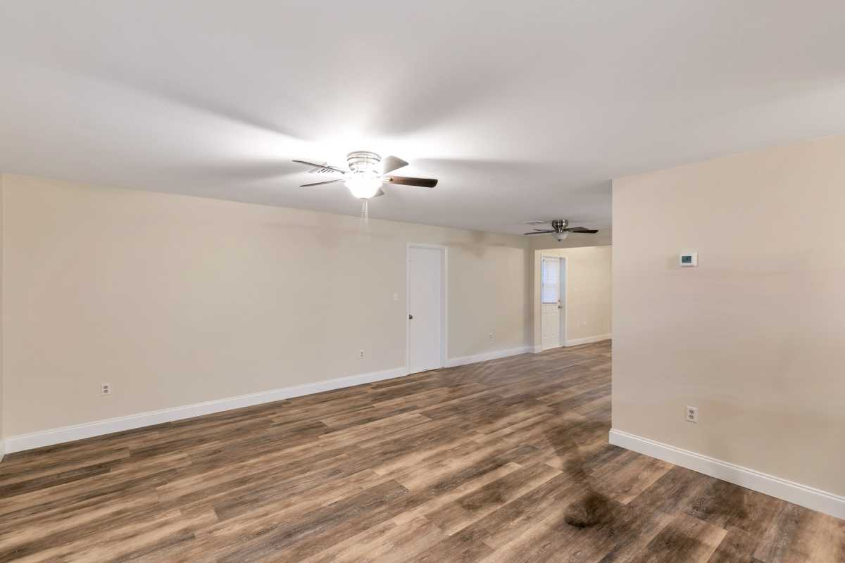 move in ready 3/2 available in Port Charlotte Fl | 22120 Rochester Ave Port Charlotte, FL 33952 4