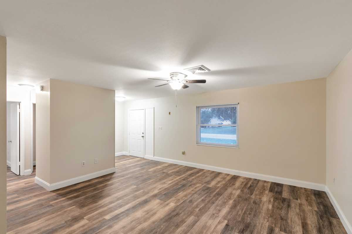 move in ready 3/2 available in Port Charlotte Fl | 22120 Rochester Ave Port Charlotte, FL 33952 5