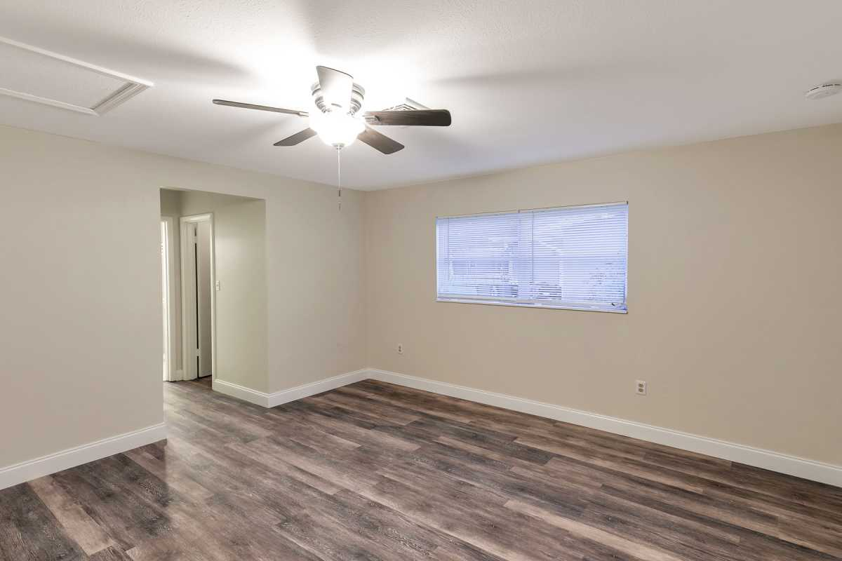move in ready 3/2 available in Port Charlotte Fl | 22120 Rochester Ave Port Charlotte, FL 33952 9
