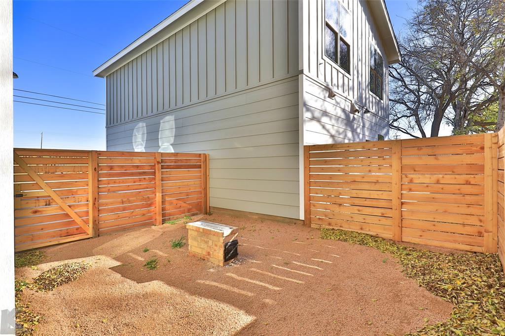 Active Option Contract | 220 Pecan Street Abilene, Texas 79602 33