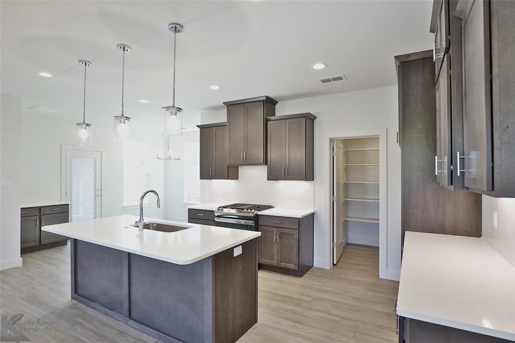 Active Option Contract | 220 Pecan Street Abilene, Texas 79602 6