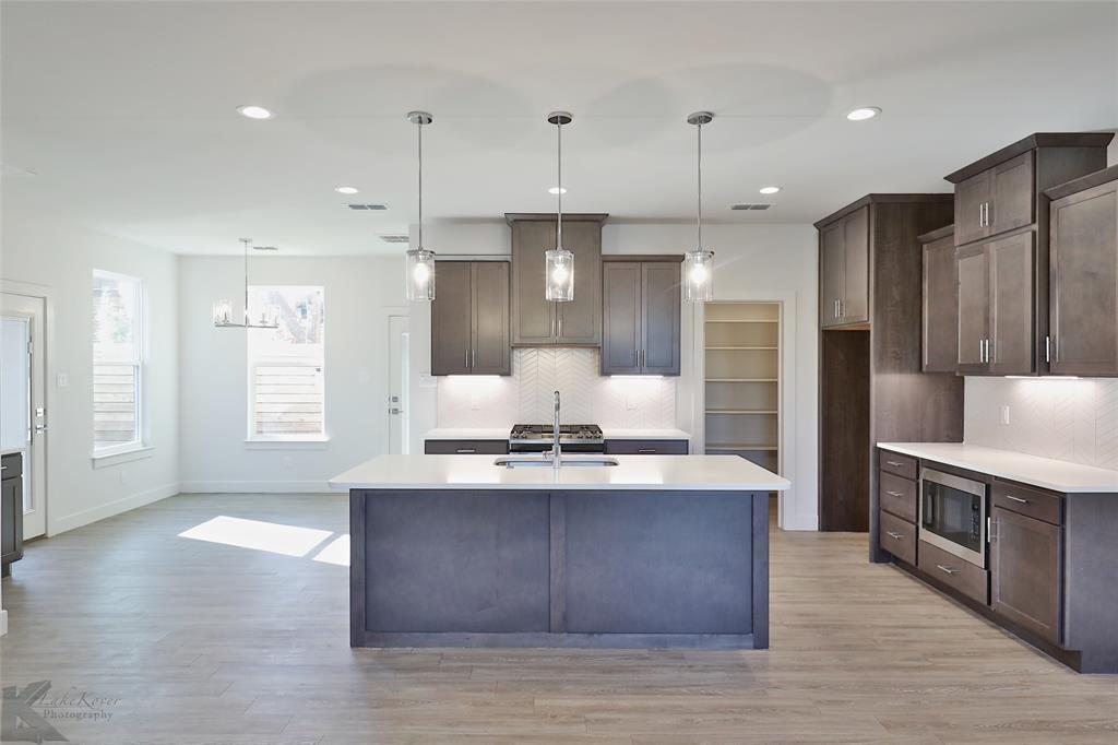 Active Option Contract | 220 Pecan Street Abilene, Texas 79602 7