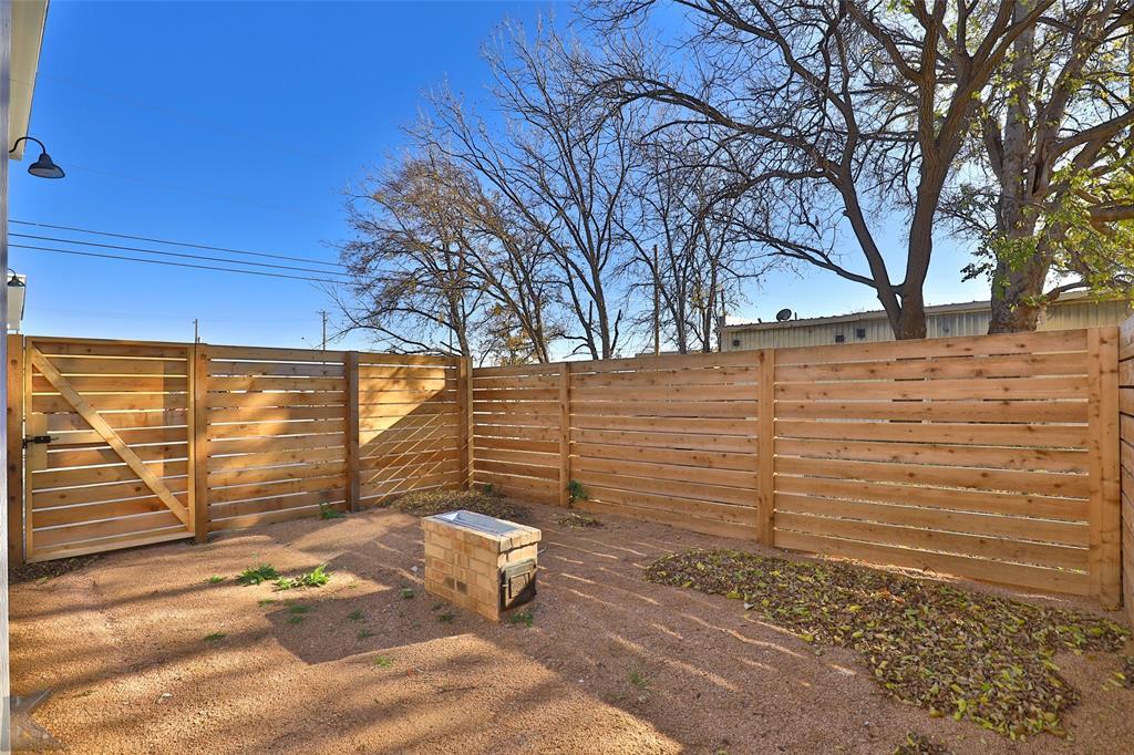 Active Option Contract | 226 Pecan Street Abilene, Texas 79602 32