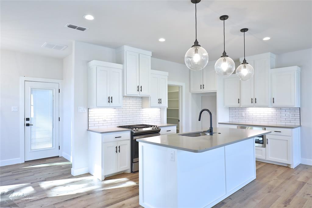 Active Option Contract | 226 Pecan Street Abilene, Texas 79602 8