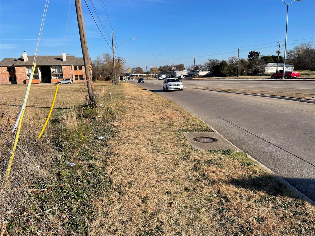 Active   4219 W Ledbetter  Drive Dallas, TX 75233 1