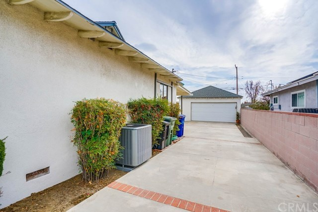 Active Under Contract | 863 W Hawthorne  Street Ontario, CA 91762 59