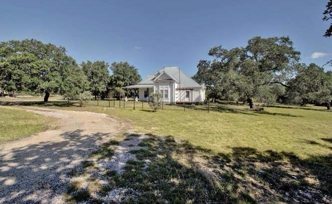 Sold Property | 101 Canterbury CT Liberty Hill, TX 78642 2