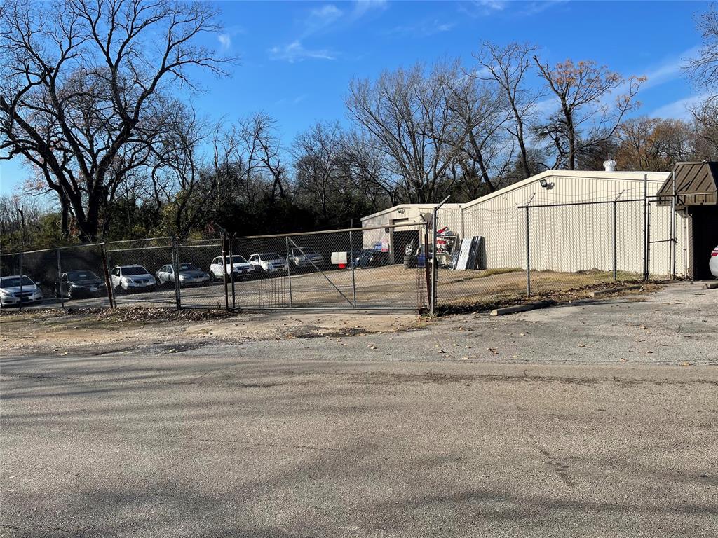 Active | 2711 Coombs Creek  Drive Dallas, TX 75211 14