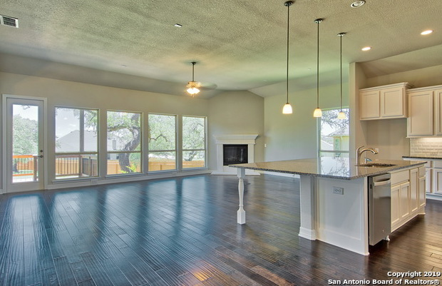 Active | 10138 DESCENT  Boerne, TX 78006 5