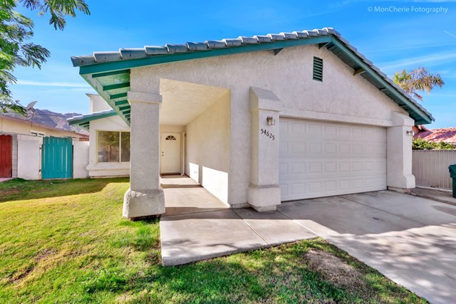 Active Under Contract | 54625 Avenida Velasco La Quinta, CA 92253 1