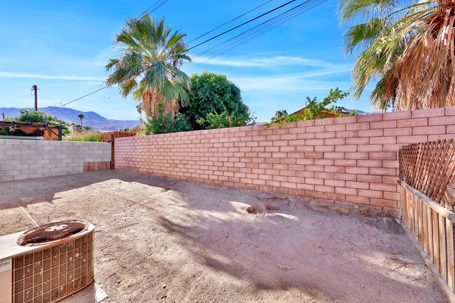 Active Under Contract | 54625 Avenida Velasco La Quinta, CA 92253 32