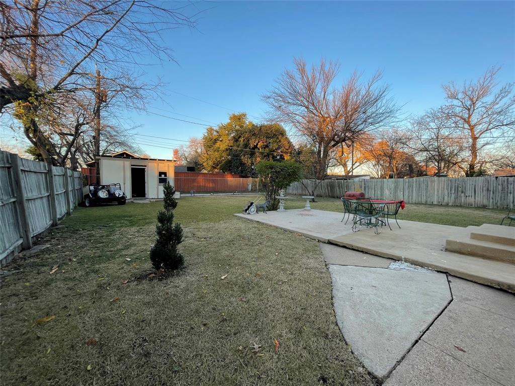 Pending | 2601 Lakewood Drive Garland, Texas 75042 12