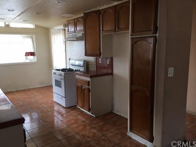Closed | 704 N Vine Street Anaheim, CA 92805 3