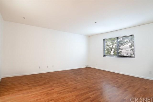 Active Under Contract | 11044 Acama Street #109 Studio City, CA 91602 7