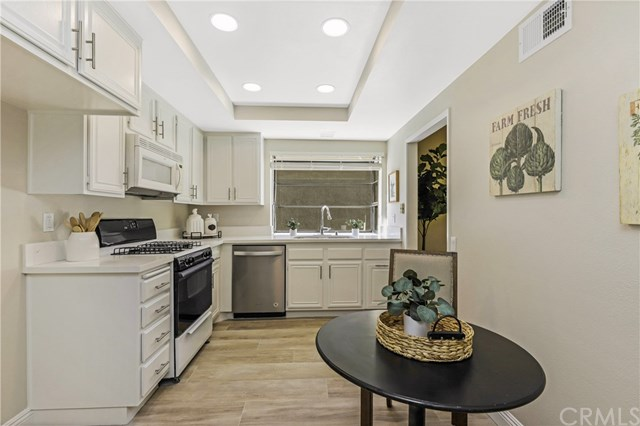 Active Under Contract | 28525 Barbosa Mission Viejo, CA 92692 5