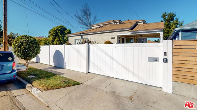 Closed   1567 W 37Th Street Los Angeles, CA 90018 46