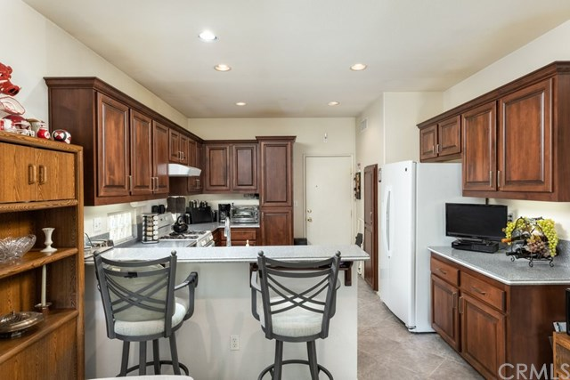 Pending | 6112 Turnberry Drive Banning, CA 92220 8