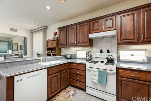 Pending | 6112 Turnberry Drive Banning, CA 92220 9