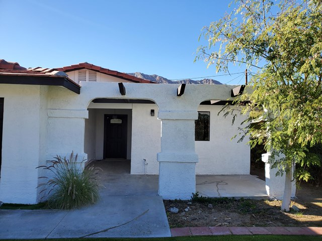 Active Under Contract | 52925 Avenida Vallejo La Quinta, CA 92253 2