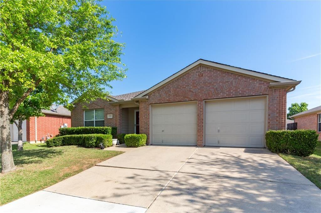 Sold Property | 1709 Two Hawks Drive Fort Worth, Texas 76131 3