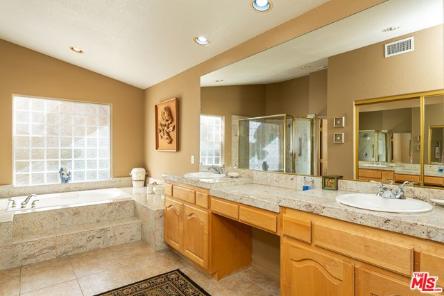 Closed | 1331 Crystal Court Palm Springs, CA 92264 24